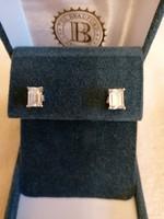 Nagyobb méretű ezüst 925-ös cirkónia köves, gyémánt csiszolású bedugós fülbevaló
