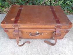 Bőr koffer
