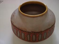 B. Várdeák Ildikó kerámia váza, jelzett, zsűrizett