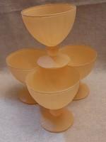 4 db matt sárga hibátlan talpas pohár, kehely