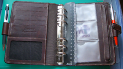 FILOFAX márkájú - Valódi bőr - irattartó mappa – álló elrendezésű - gyűrűs notesztartós