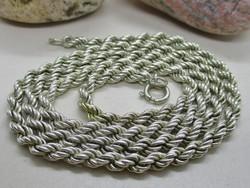 Gyönyörű régi csavart mintás ezüstnyaklánc