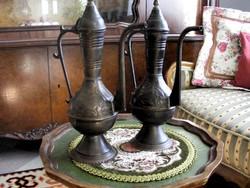 Szépséges, régi, nagyméretű, réz karafa páros, keleties stílus, az ár a kettőre együtt vonatkozik