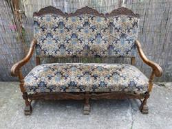 Reneszánsz stil kanapé.