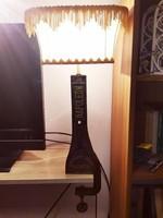 Különleges, egyedi asztali lámpa