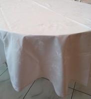 240x163 cm új fehér ovális damaszt rózsás asztalterítő