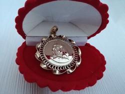 Virgin Mary pendant, 14 carat gold.