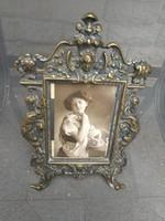 Díszes öntött bronz, réz keret, nehéz. Fotó ráma keret, képkeret barokkos díszes mótivummal.