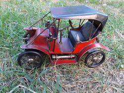 Hibátlan fém automobil