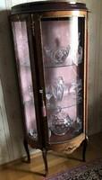 XVI.Lajos stiluso hajlitott üvegű intarziás vitrin151x69x35cm