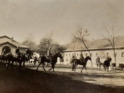 Régi fotó 1928 lovas katonák katona huszár fénykép csoportkép