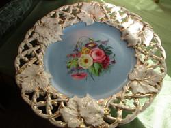 1800-as évekből Pirkenhammer porcelán dísztál.Múzeumi darab!