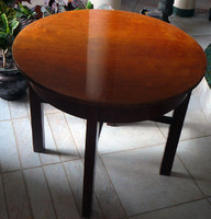 Kerek asztal eladó
