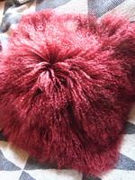 Tibeti bárányszőr párna / burgundi vörös