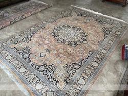 Selyem kézi csomózású perzsaszőnyeg 280x180