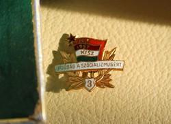 Szocialista kitüntetés - KISZ kitűző 1919-1957 - kommunista emléktárgy