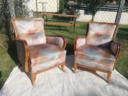 Vidám harmonikus színösszeállítású megkímélt szép és kényelmes rugós fotel akár szállítással