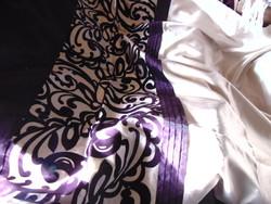Csodaszép hatalmas paplanhuzat lila velúros mintával