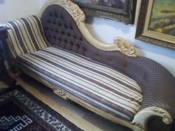 Eladó egy francia barokk stílusú kanapé !