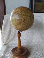Antik földgömb