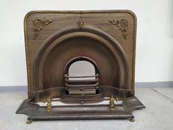 Antik dekoratív vas és sárgaréz kandalló keret kályha elő