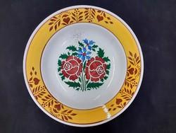 Népi fali tányér, Hollóházi keménycserép tányér