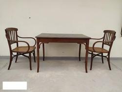 Antik jelzetlen Thonet asztal és hozzá való 2 karos szék