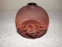 Kézműves kerámia virágtartó