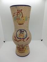 Nagyméretű majolika váza, festett virágmintás dekorral