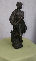 Bronz szobor, nehéz öntvény bronzból Férfi kalapáccsal szép kidolgozású szinte tömör nagyon nehéz!