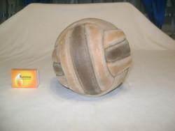 Antik, varrott bőr labda
