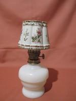 Kis petróleum lámpa rózsabimbó mintával
