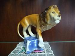 Royal dux nagy porcelán oroszlán