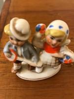 Német porcelán figura,sérülésmentes állapotban.Két kis gyerek figura.