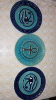 Gyönyörű, kék- türkiz, festett-mázas fajansz falitányérok, Keleti / egyiptomi / motívumokkal,