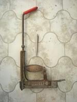 Kapocs tűző , U szög beütő . Retro , de használható is. Csomagoló kárpitos szerszám