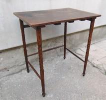 Lerakóasztal , kisasztal