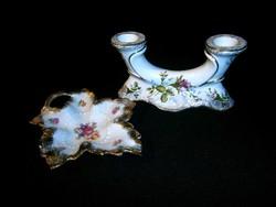 Rózsa mintás, aranyozott Chodziez porcelán két ágú gyertyatartó és egy német jelzett tálka