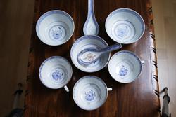 Kínai rizsszemes porcelán tálka 3db, csésze 3db, kanálka 2db.