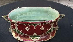 Szecessziós majolika kínáló asztalközép különleges darab! Ökörvér alapmáz, színes darab.
