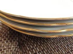 4 db főételes tányér, fehér-arany és egy köretes tálka hibátlan állapotban!