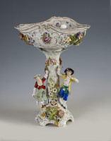 Dresden - Porcelán asztalközép barokk jelenettel