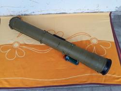 Katonai orosz szovjet Fagot páncéltörő rakéta anti tank rocket szállító hordozó indító konténer