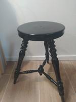 Ónémet ülőke szék vagy asztalka
