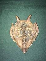 Jelzett bronz ördögfej hamutál