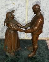 Bronz , szobor, kisplasztika táncospár népviseletes. Antik különleges népviseletes, képeslapon!