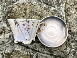 Aranyozott festésű hajszálvékony szögletes porcelán csésze 50-es évekből