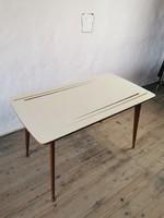 Mid Century dohányzó asztal / retró