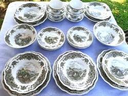 Német porcelán tányérkeszlet, leveses csészékkel, tálakkal