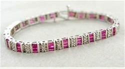 Gyémánt pink turmalinnal 14 kr.arany karkötő